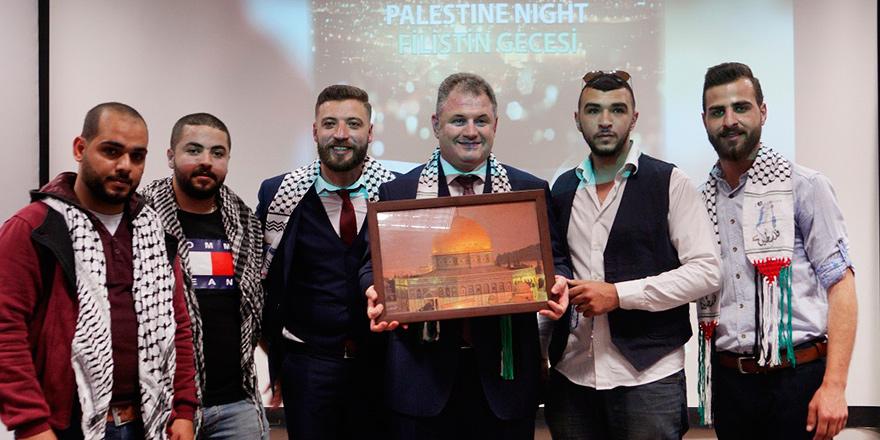 """UKÜ'de """"Filistin Gecesi"""" coşkusu devam ediyor"""