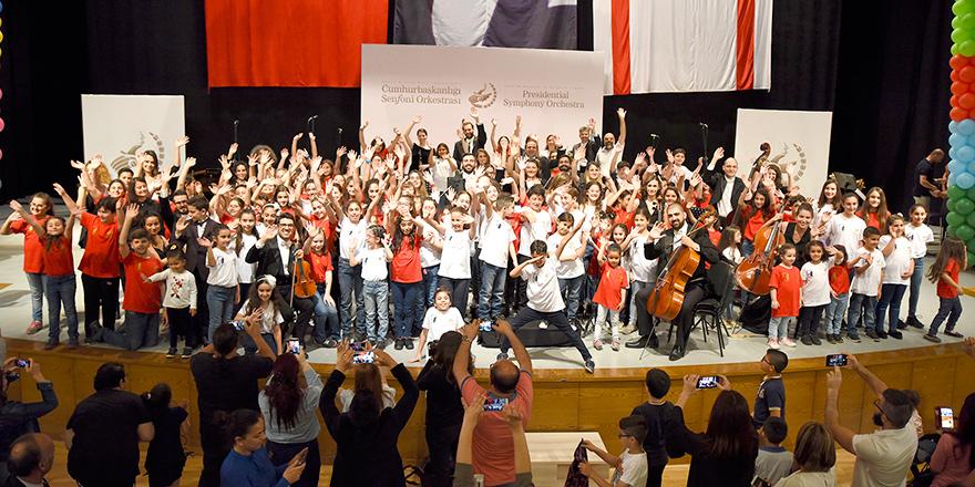 Cumhurbaşkanlığı Senfoni Orkestrası çocuklarla…