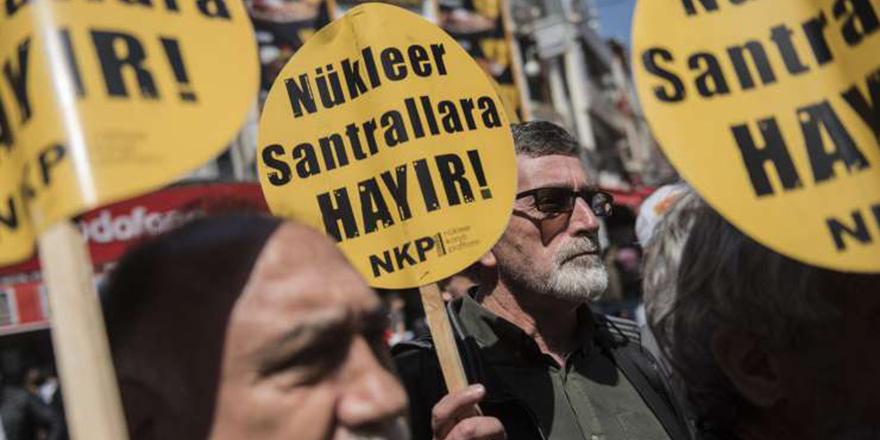Nükleer karşıtları İstanbul'da eylemdeydi
