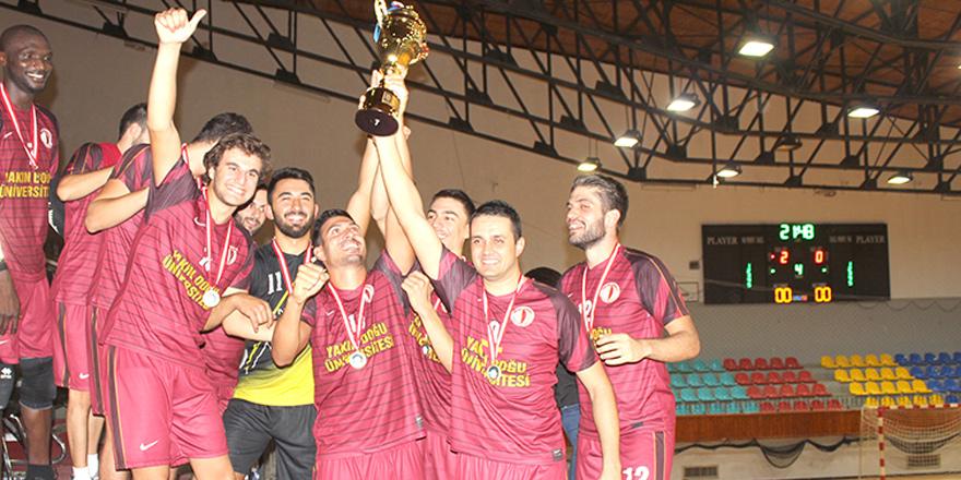 İlk yılda kupalara ambargo