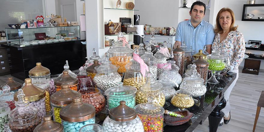 Kokusuyla sizi davet eden tat;  CARAMEL Çikolata…