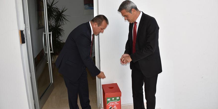 Temiz çevre için: Atık pil toplama kutuları