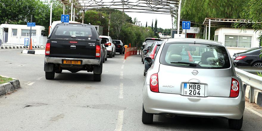 İlk kez: Geçişlerde Kıbrıslı Rumlar daha çok