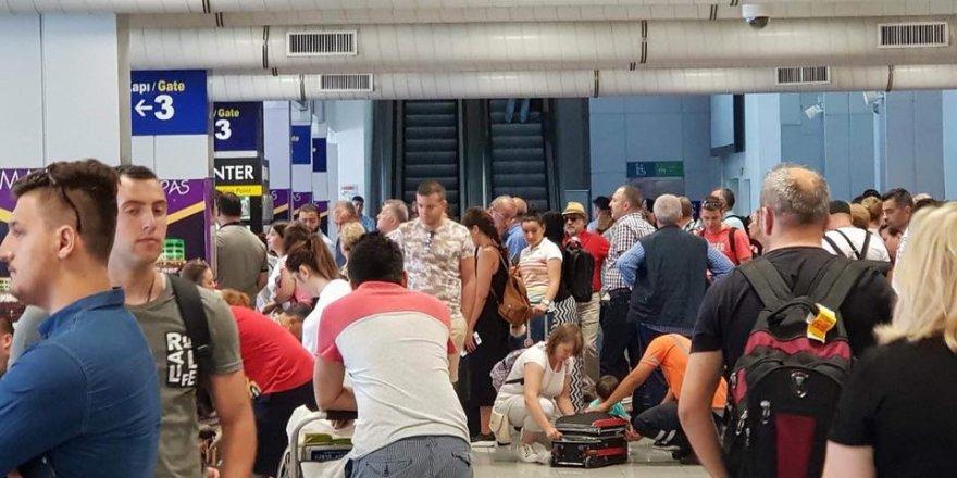 Aşırı yağış, uçuşları vurdu:  8 uçuş etkilendi