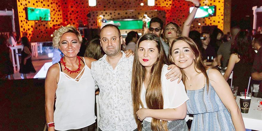 Soho Club'da 'Staff Party'