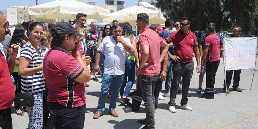 CAS çalışanları Başbakanlık önünde toplandı