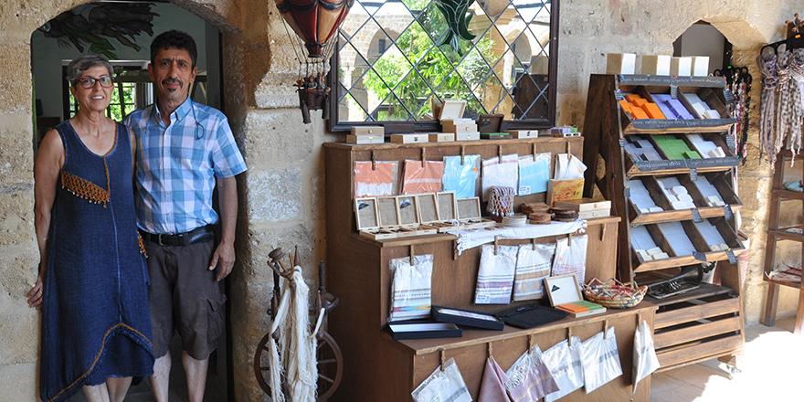 Kıbrıs peşkirleri ve zeytinden yapılmış takılar 'Mukhtar'da…