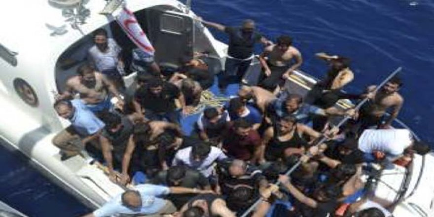 Kurtarılan göçmenler İl Göç İdaresi Müdürlüğüne sevk edildi