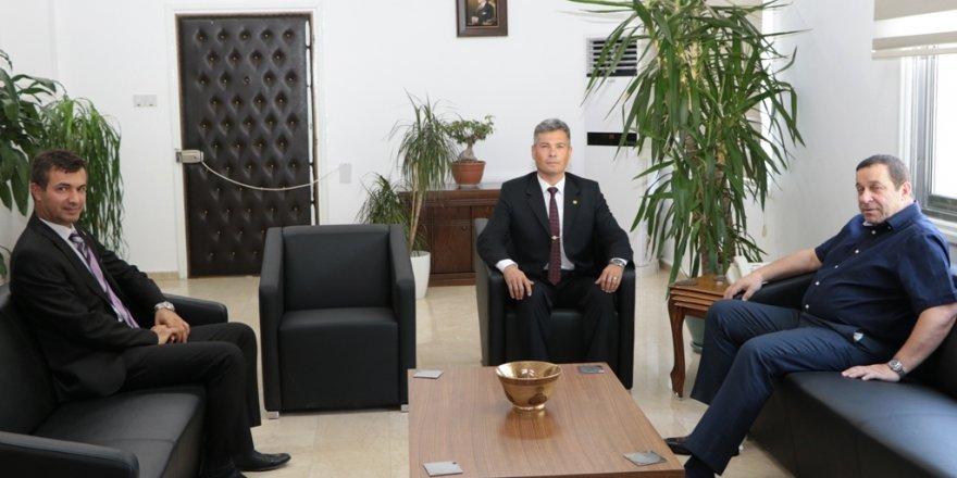 Maliye Bakanı Denktaş, Sivil Savunma Başkanı Karakoç'u kabul etti
