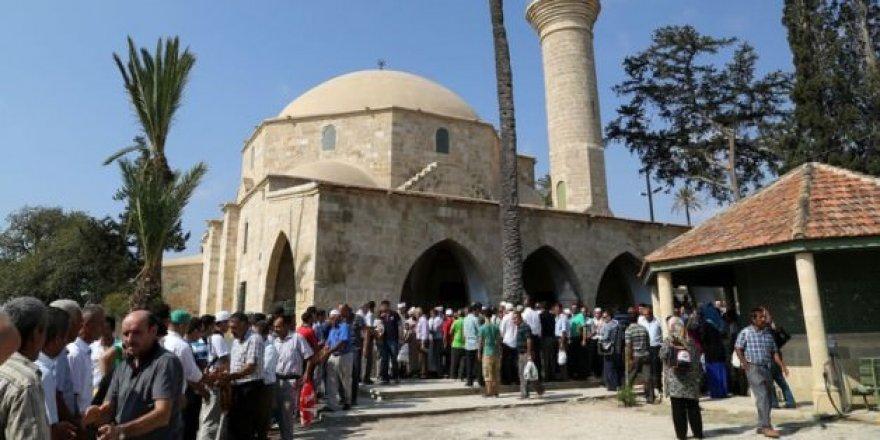 Bayramda Hala Sultan ziyareti