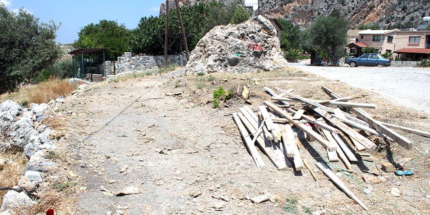 Skuridis, ev inşası için izinlerini tamamlıyor