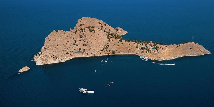 Akdamar Adası'na 'Kıbrıs modeli' çözüm