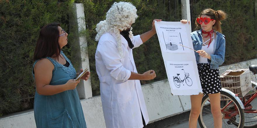 Ekonomik krize sokak tiyatrolu protesto