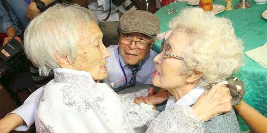 Kuzey ve Güney Kore'nin parçalanmış aileleri buluştu