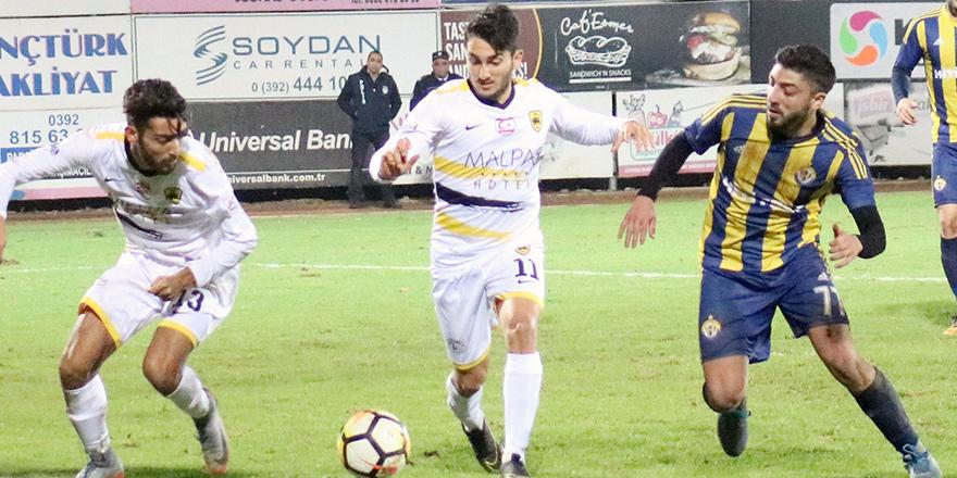 Mustafa Ercan yol ayrımında