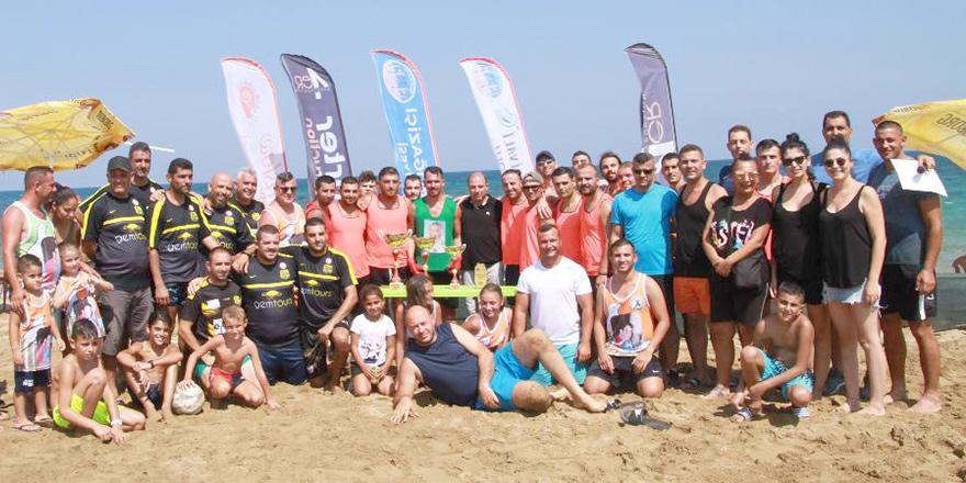 Şampiyon Esin Turgut takımı