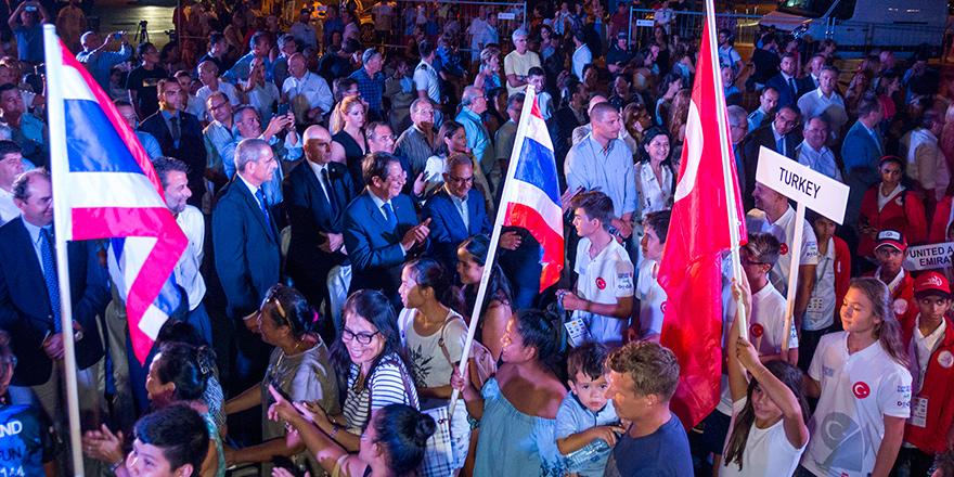 Anastasiadis Türkiyeli yelkencileri alkışla selamladı