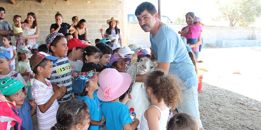 Çocuklar Çelebi Çiftliği'ni şenlendirdi