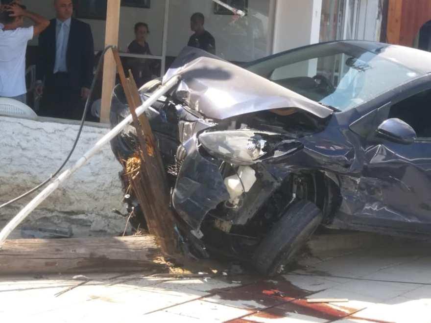 Dikkatsizce yola çıktı, kazaya sebep oldu