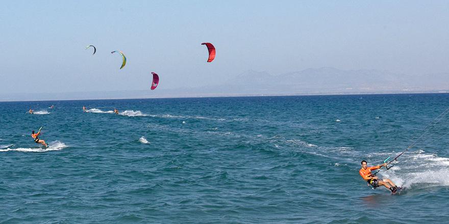 """""""Başka Ardalar Ölmesin"""" Kite Surf Etkinliği Yedidalga'da yapıldı"""