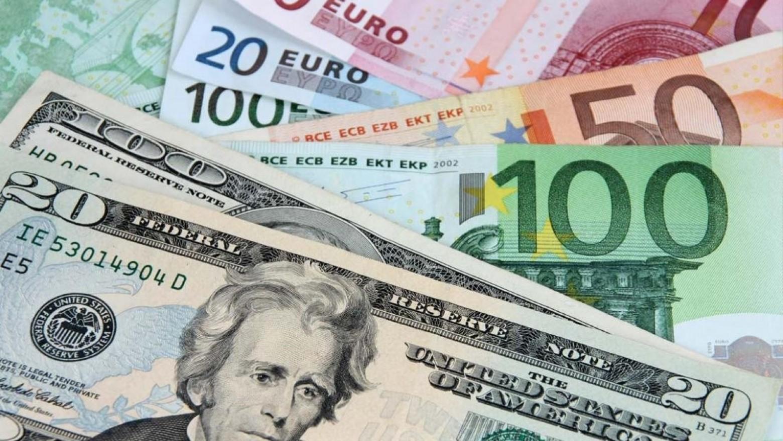 Ercan'da 20 bin dolarla yakalandı
