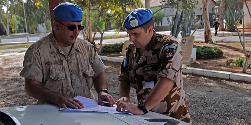 Özersay, BM kampının kaldırılmasını istedi