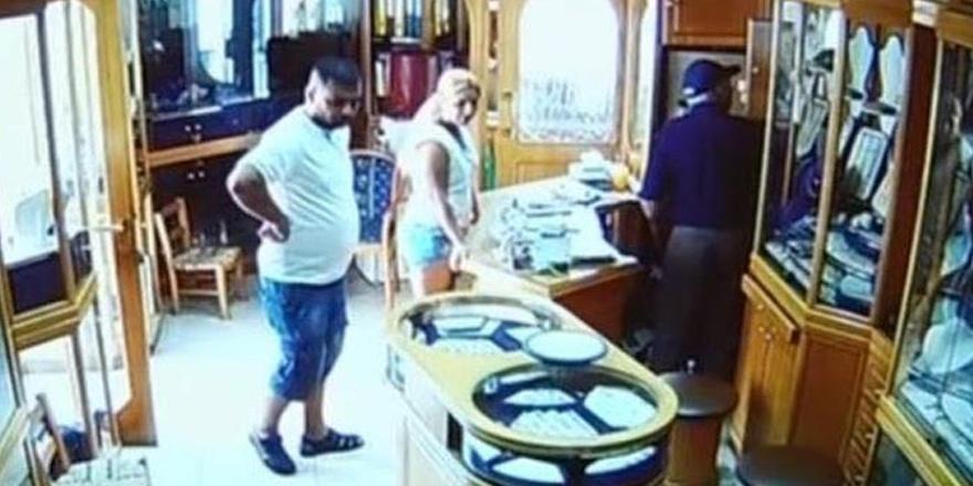 Baf polisi mücevher hırsızlarını arıyor