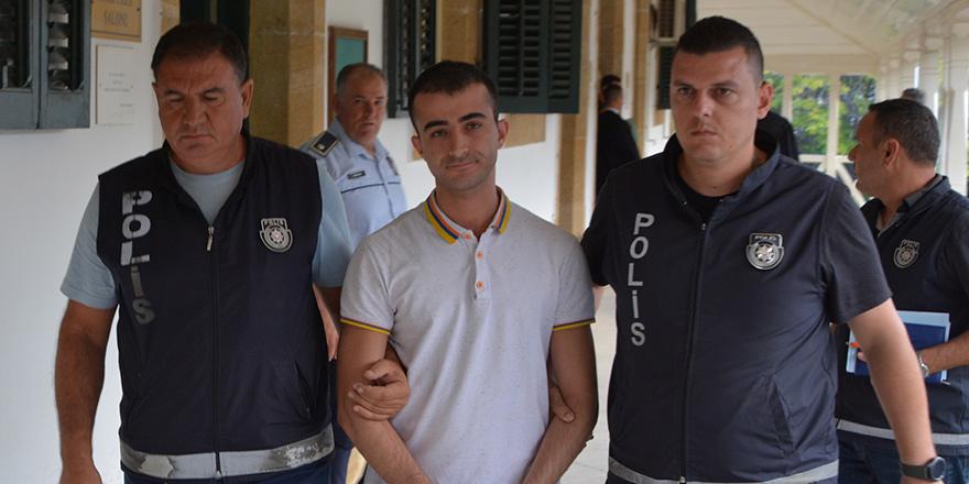 Kundakçı 'turist' 6 ay hapis yatacak