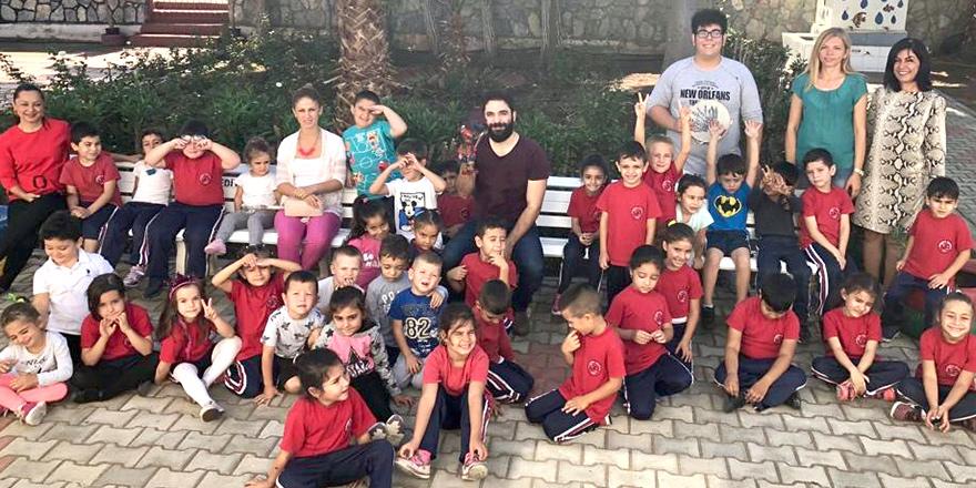 Hacivat karagöz oyunu okullarda gösterilere başladı