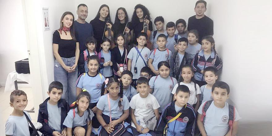 Sanatı yakından takip eden bir okul,  Cihangir-Düzova İlkokulu