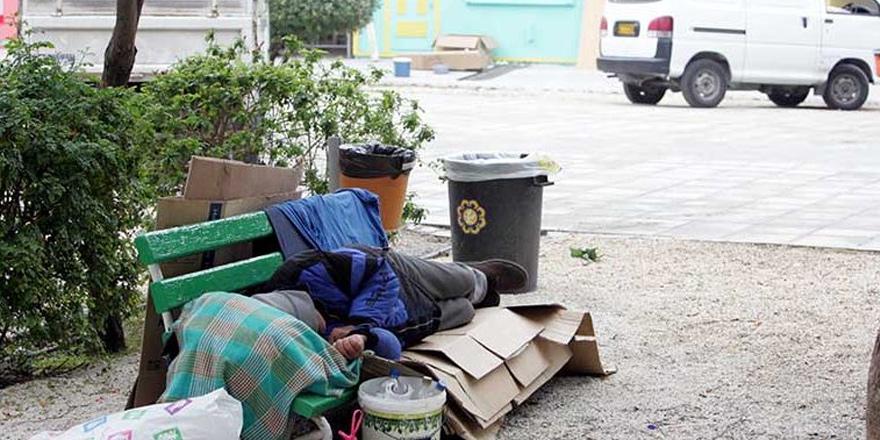 Güneyde 129 evsiz, 4 'ü Kıbrıslı Türk