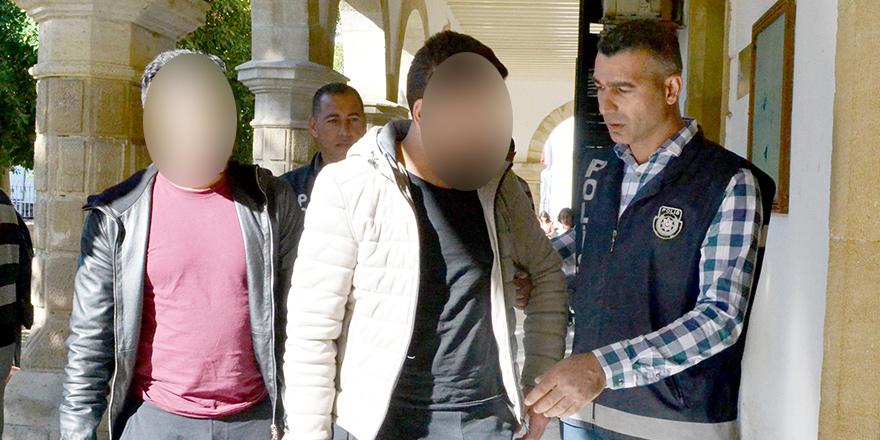 Kaçak geçip yasal girmeye çalıştılar