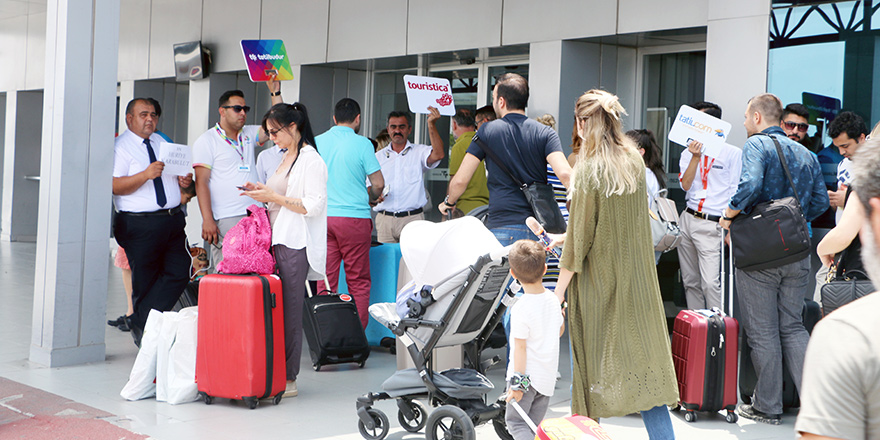 Ercan'a yolcu sayısı azaldı