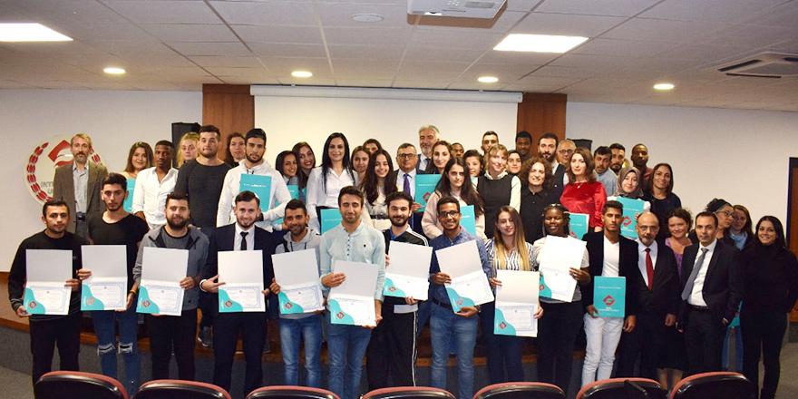 UFÜ'de başarılı öğrenciler sertifikalarını aldı