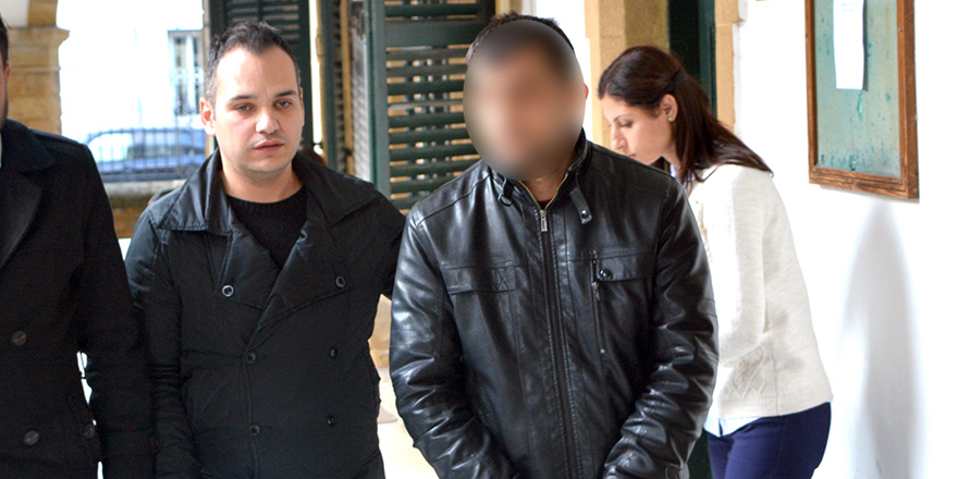 Hamile eşini dövdüğü iddiasıyla tutuklandı
