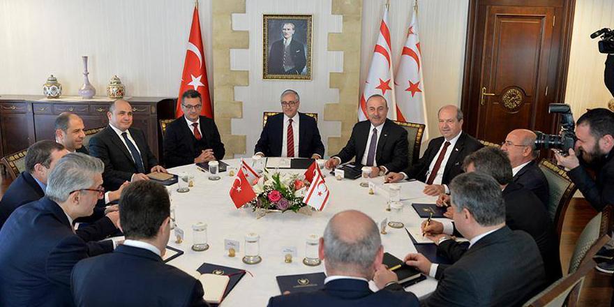 Çavuşoğlu siyasi partiler ile bir araya geldi