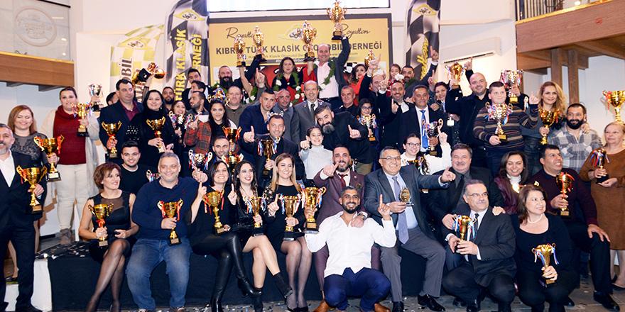 Klasiklerde şampiyonlar ödülleri aldı