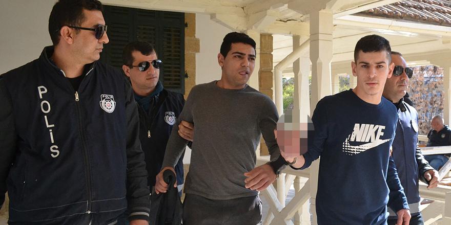 Chaddad'a 4,  Muahmad'e 2.5 yıl  hapis cezası