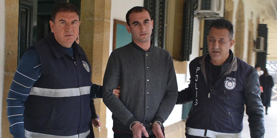Tabancayla yakalanan Özcan'a 4 yıl hapis