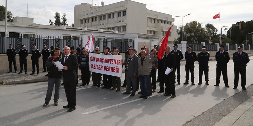 Türk Barış Kuvvetleri Gaziler Derneği'nden kınama eylemi