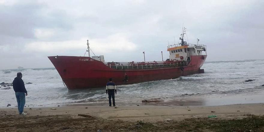 Kaptan ve mürettebat kurtarıldı
