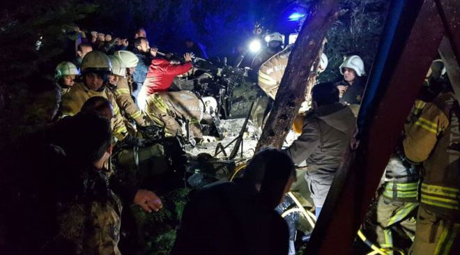İstanbul'da askeri helikopter düştü: 4 ölü