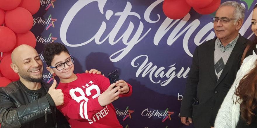 Tazeoğlu City Mall'da okurlarıyla buluştu