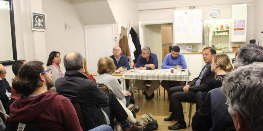Kıbrıslılardan İngiltere'de çözüm inisiyatifi