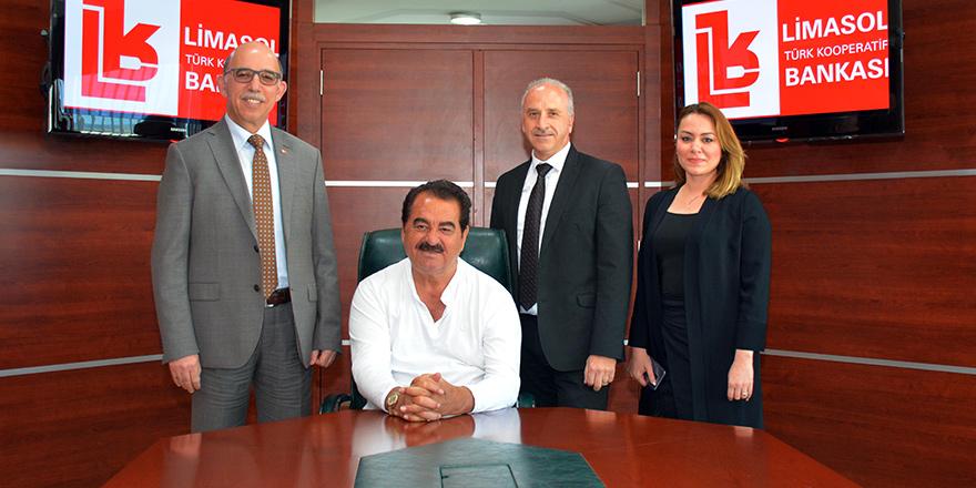 Tatlıses Limasol Bankası'nı ziyaret etti