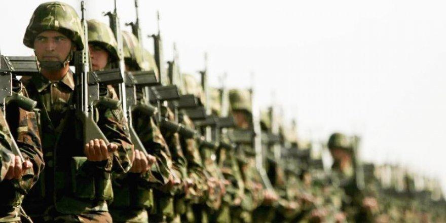 Türkiye'de askerlik 6 aya düşüyor
