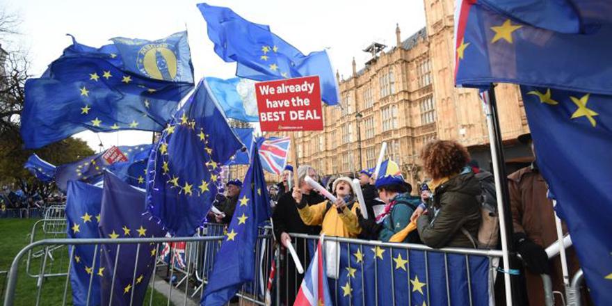'Brexit' anlaşmasına 3. kez ret