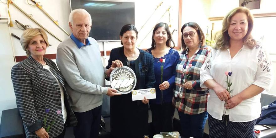 LimasollularDerneği'nde kanser hastalarına bağış