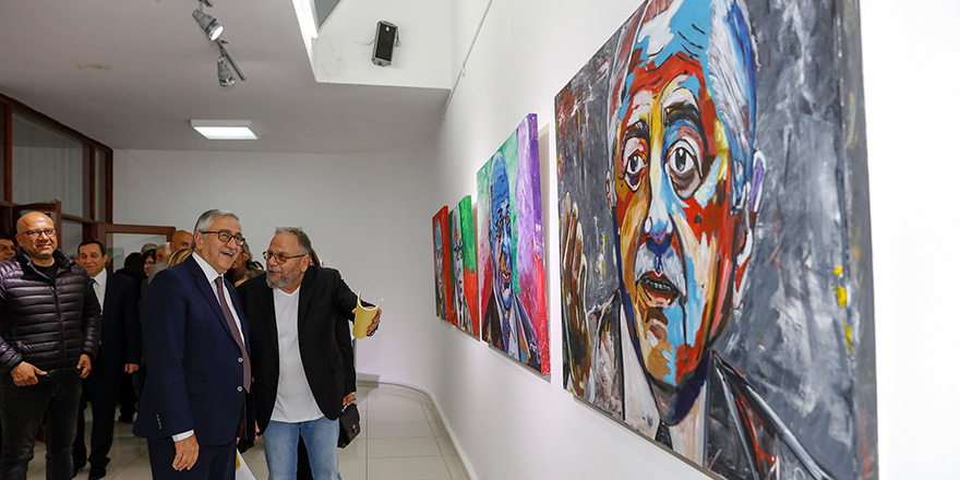 "Özbeşer'in ""Colours Of Life"" sergileniyor"