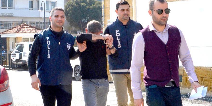 Taksici tutuklu yargılanacak